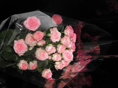 食卓に飾るためのバラ