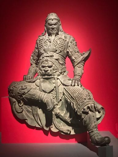 第1チャクラの赤と関羽像